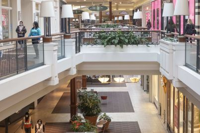 a-third-of-americas-malls-will-disappear-by-next-year-says-ex-department-store-exec-scaled.jpg