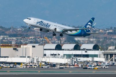 alaska-airlines-makes-big-boeing-737-max-order-in-first-u-s-sales-since-lifting-of-flight-ban.jpg