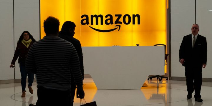 amazon-seeks-to-hire-55000-for-corporate-tech-roles.jpg