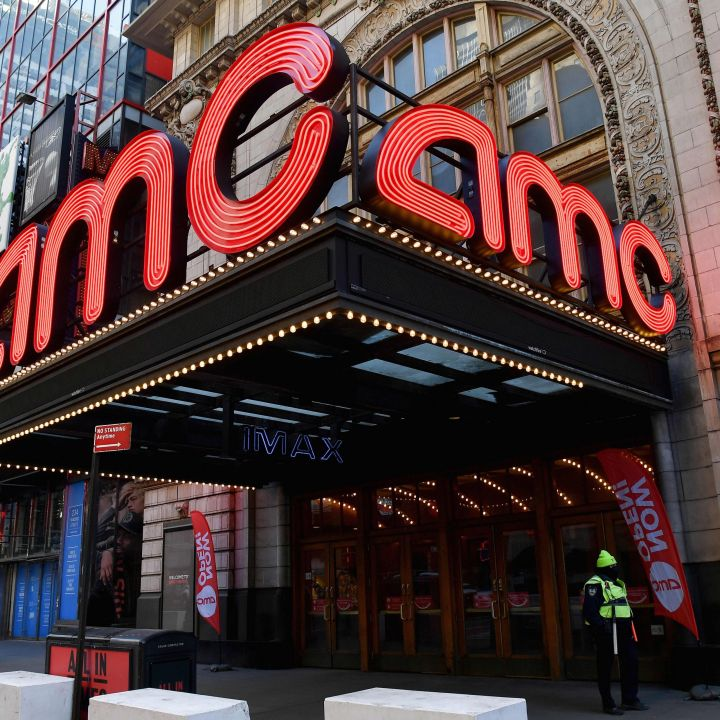 amc-entertainment-shares-shoot-up-35-as-reddit-traders-double-down-scaled.jpg