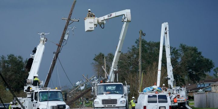 an-army-of-utility-workers-heads-to-louisiana-to-restore-power-after-ida.jpg