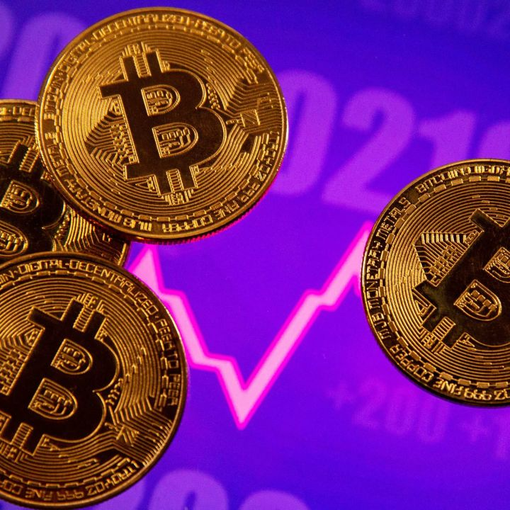 anthony-scaramucci-says-he-accepts-bitcoins-volatility-sees-upside-as-it-challenges-gold-scaled.jpg