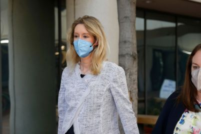 at-issue-in-theranos-trial-whether-elizabeth-holmes-witnesses-will-wear-face-masks.jpg