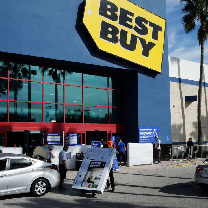 best-buy-pushes-ahead-with-its-health-care-strategy-by-acquiring-current-health-scaled.jpg