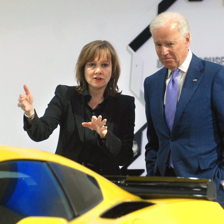 biden-to-push-for-electric-vehicles-to-make-up-40-or-more-of-u-s-auto-sales-by-2030-scaled.jpg