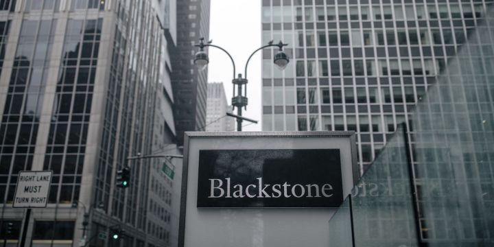 blackstone-bets-on-music-business-with-1-billion-hipgnosis-deal.jpg