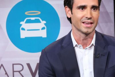 carvana-shares-surge-29-after-company-projects-record-quarter-scaled.jpg