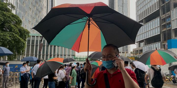 china-evergrande-hires-financial-advisers-as-protests-erupt-at-its-offices.jpg