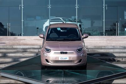 chrysler-owner-stellantis-joins-the-electric-vehicle-race-with-differences.jpg