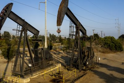 crude-falls-4-more-on-surging-covid-cases-following-worst-week-since-october-for-oil-scaled.jpg