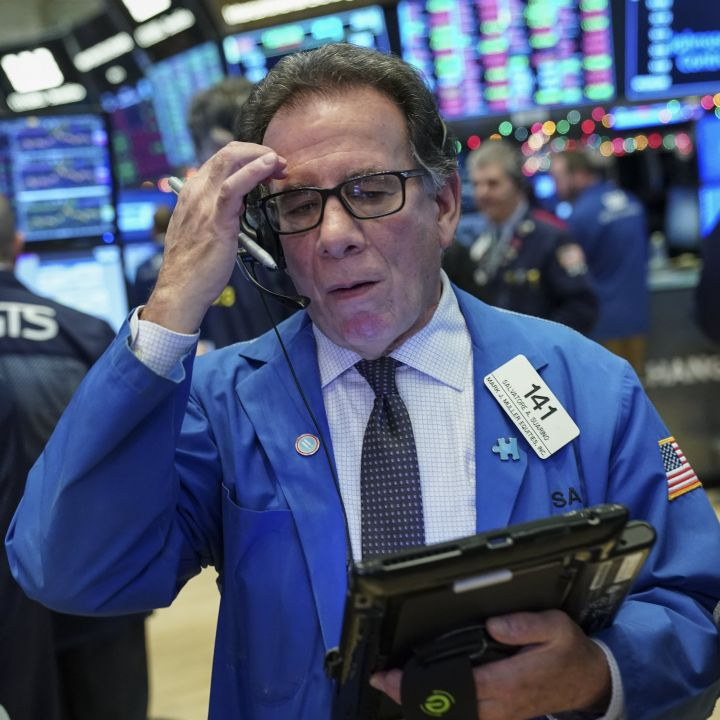 dow-falls-600-points-nasdaq-loses-2-8-as-yield-spike-hits-tech-stocks-scaled.jpg