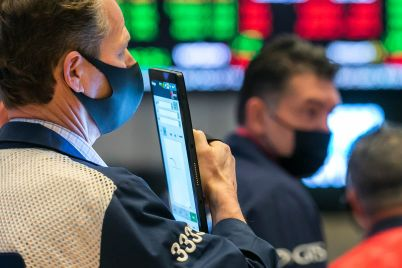 dow-rises-150-points-to-start-february-rebounding-from-a-steep-sell-off-amid-retail-trading-frenzy-scaled.jpg