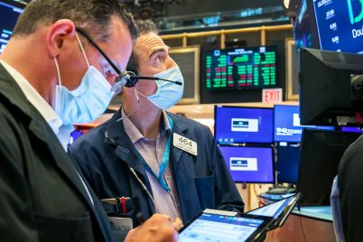 dow-rises-nearly-100-points-to-close-at-a-record-amid-solid-earnings-scaled.jpg