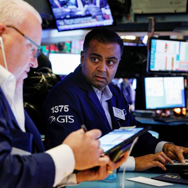dow-rises-tech-shares-drag-down-broader-market-as-10-year-treasury-yield-tops-1-5-scaled.jpg