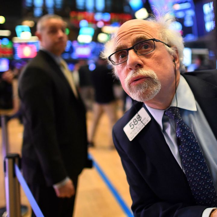 dow-slides-800-points-as-market-rout-deepens-on-track-for-worst-day-since-october-2020-scaled.jpg
