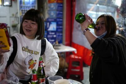 fizzy-beer-stocks-are-due-for-a-bar-fight-in-china.jpg