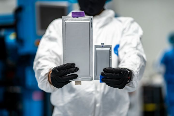 ford-and-bmw-lead-130-million-round-in-ev-battery-start-up-solid-power.jpg