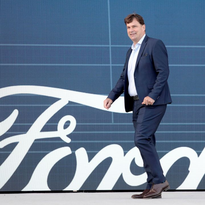 from-bronco-ev-to-profit-targets-fords-hits-and-misses-during-its-investor-day-scaled.jpg