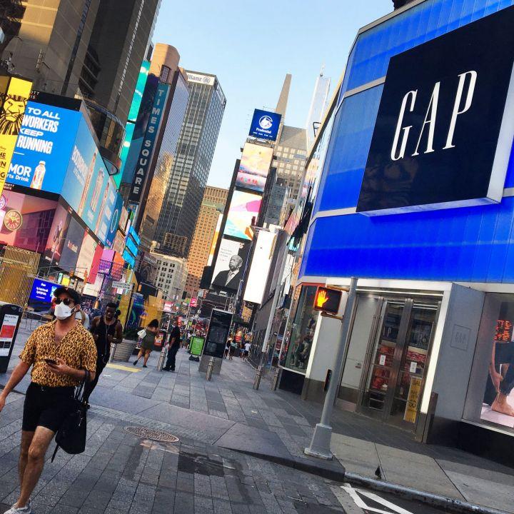 gap-sales-top-pre-pandemic-levels-as-turnaround-efforts-gain-traction-retailer-raises-2021-outlook-scaled.jpg