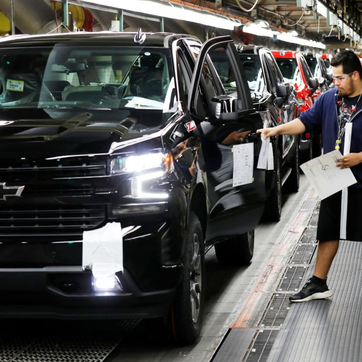gm-to-significantly-cut-north-american-vehicle-production-due-to-chip-shortage-scaled.jpg
