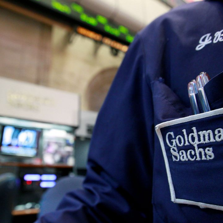 goldman-sachs-ceo-is-summoning-workers-back-to-the-office-by-june-14-scaled.jpg