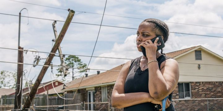 hurricane-idas-power-outages-slow-efforts-to-restore-cellphone-service.jpg