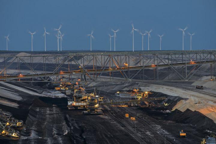 iea-says-clean-energy-progress-remains-far-too-slow.jpg