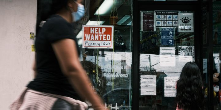 jobless-claims-fall-to-another-pandemic-low.jpg
