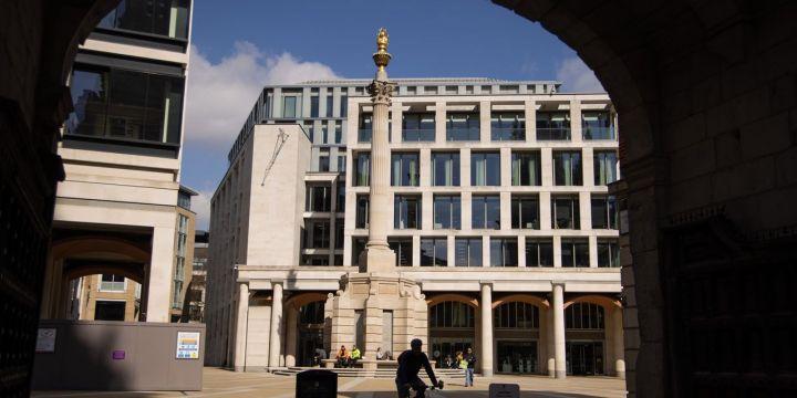 london-stock-exchange-to-close-unprofitable-interest-rate-derivatives-venture.jpg