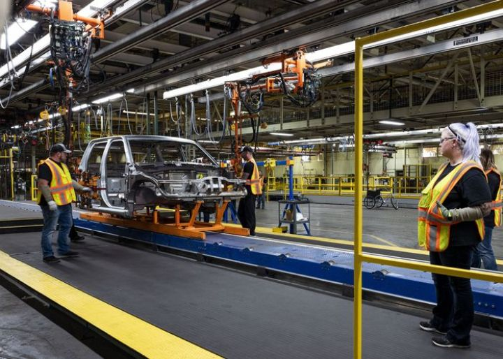 lordstown-motors-to-sell-former-gm-factory-in-ohio-to-foxconn.jpg