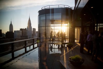 manhattan-real-estate-prices-reach-new-record-as-buying-frenzy-takes-hold.jpg
