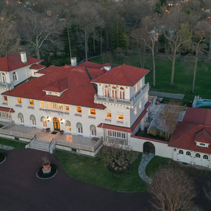 mansion-once-asking-39-million-sells-for-4-6-million-heres-what-happened-scaled.jpg