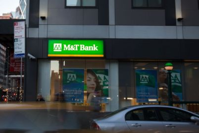 mt-bank-to-buy-peoples-united-for-7-6-billion.jpg