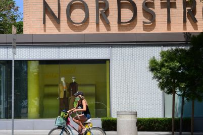 nordstrom-shares-fall-as-earnings-and-2021-outlook-disappoints-scaled.jpg