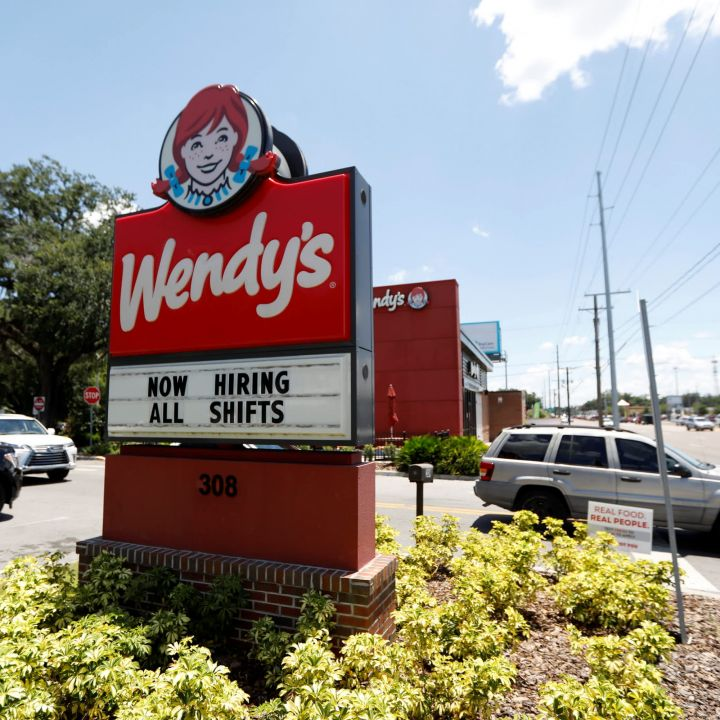 nothing-changed-overnight-to-make-wendys-a-better-bet-trader-says-as-stock-sees-reddit-interest-scaled.jpg
