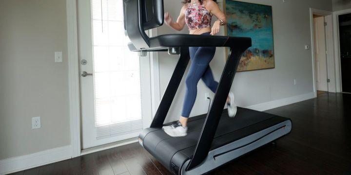 pelotons-treadmill-cant-run-on-hype.jpg