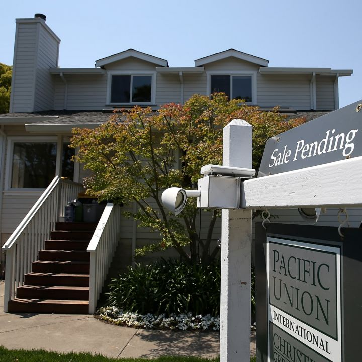 pending-home-sales-rose-less-than-expected-in-march-as-prices-soared-scaled.jpg