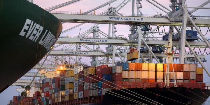 port-logjams-reach-savannah-as-container-ships-idle-off-georgia-coast.jpg