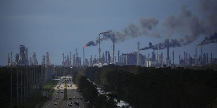 refineries-potentially-face-weekslong-outages.jpg