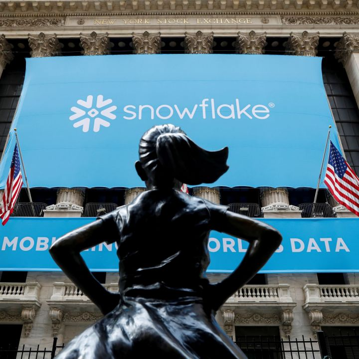 snowflake-ceo-urges-investors-to-be-patient-with-stock-during-multiyear-cloud-transition-scaled.jpg