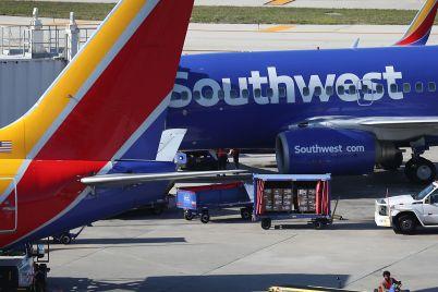 southwest-posts-915-million-loss-warns-travel-demand-will-remain-weak-without-coronavirus-vaccine-scaled.jpg