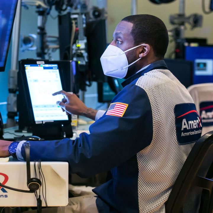 sp-500-rises-to-a-record-after-better-than-expected-jobless-claims-dow-climbs-150-points-scaled.jpg