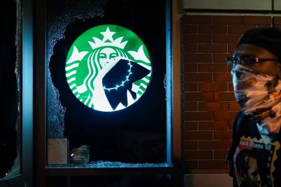 starbucks-to-allow-baristas-to-wear-black-lives-matter-attire-and-accessories-after-backlash-scaled.jpg