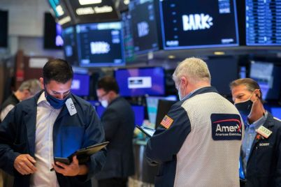 stock-futures-drop-led-by-retreat-in-technology-stocks.jpg