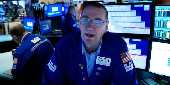 stock-futures-edge-higher-oil-jumps.jpg
