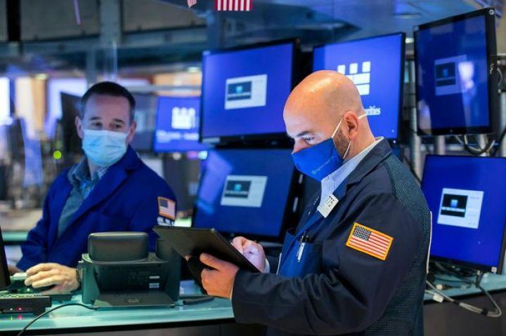 stock-futures-wobble-ahead-of-economic-data-earnings.jpg
