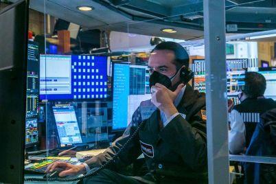 stocks-edge-lower-after-mondays-rally.jpg