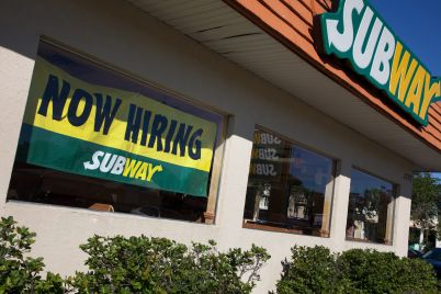subway-franchisees-to-hire-50000-workers-as-it-brings-back-5-footlong-deal.jpg