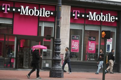 t-mobile-ceo-says-company-is-poised-to-dominate-5g-for-the-next-decade.jpg