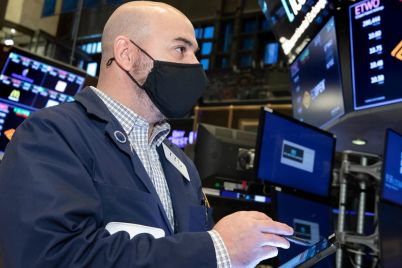 the-dow-is-set-to-open-lower-by-180-points-amid-rate-fears-apple-and-tesla-shares-decline-scaled.jpg